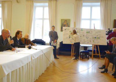Kultuuriministeeriumi üritusel visuaalset kokkuvõtet tegemas Siiri Taimla